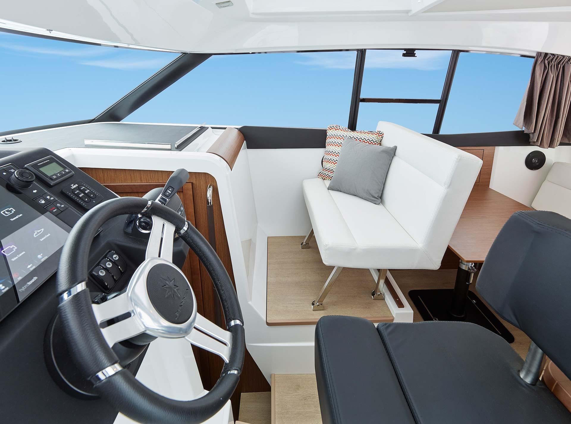 Nc 9 jeanneau boats for Interieur 83