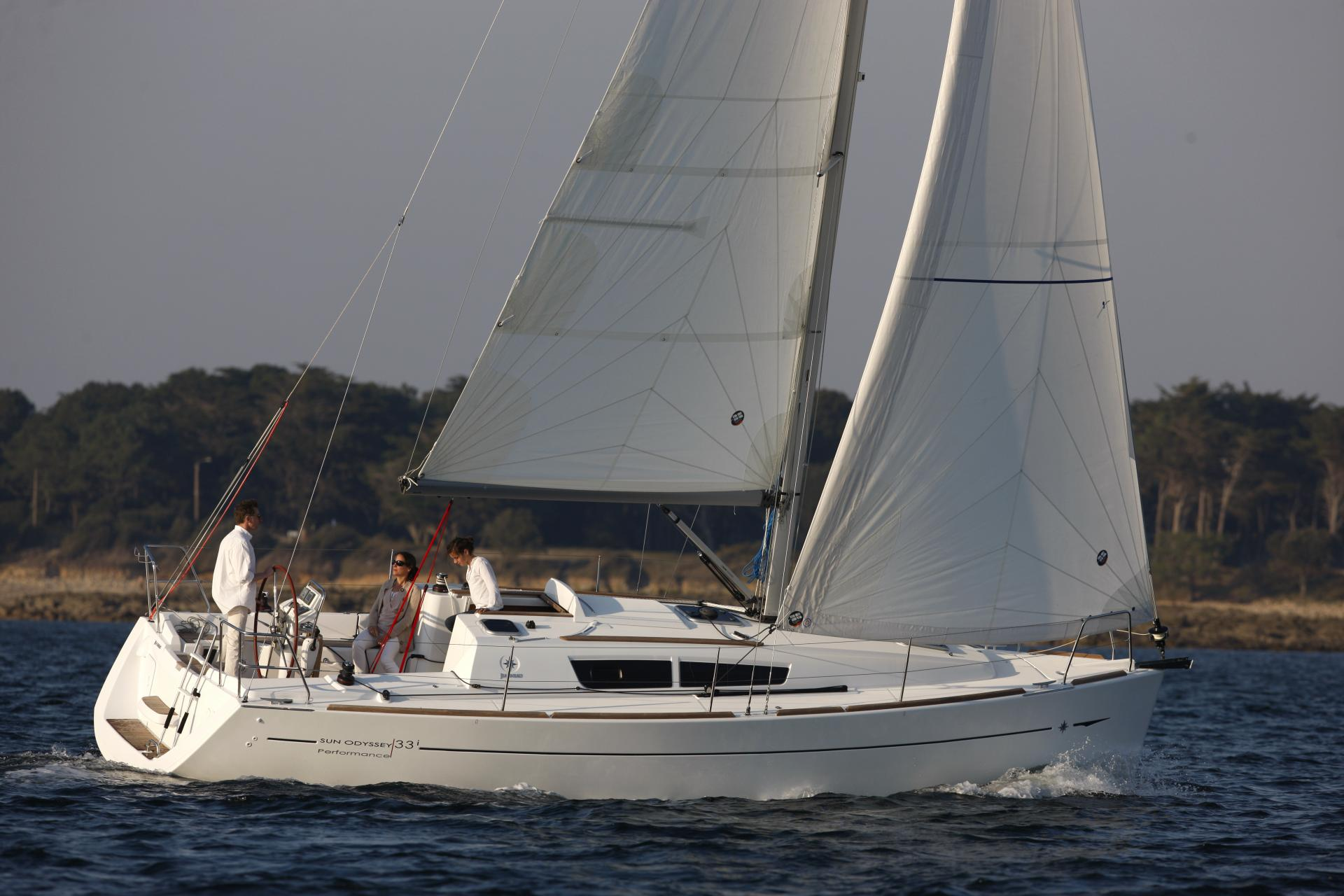 Sun Odyssey 33i Commodore Special Series An Offer To Be Grabbed