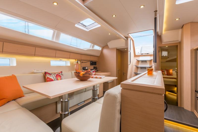 Jeanneau 54 Interior Views 16