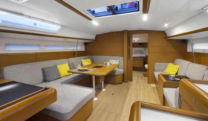 Sun Odyssey 519 Vistas del interior 29