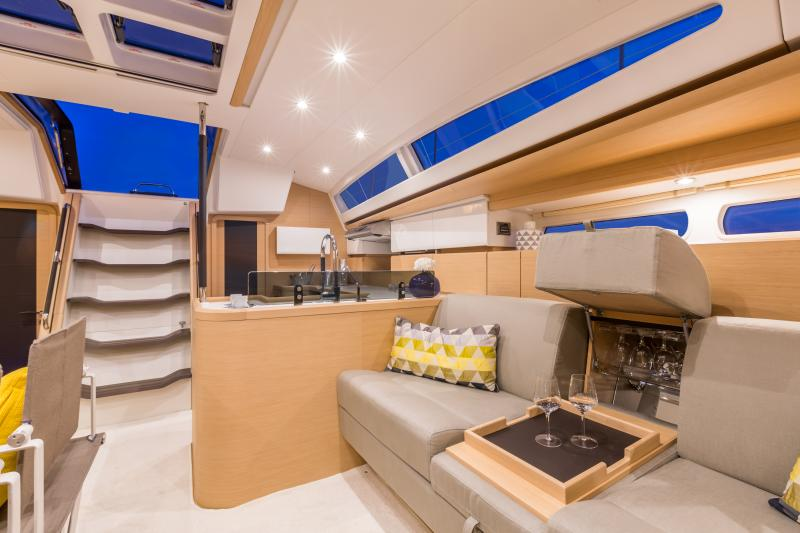 Jeanneau 58 Interior Views 6