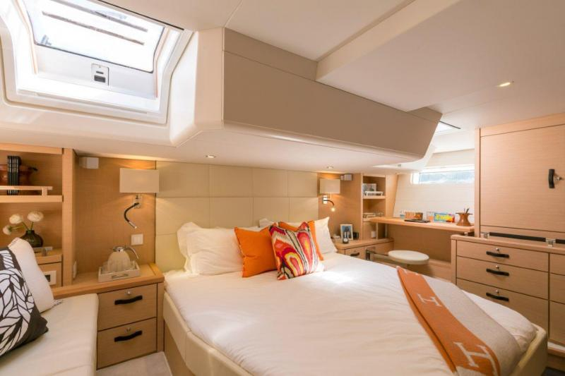 Jeanneau 64 Interior Views 9
