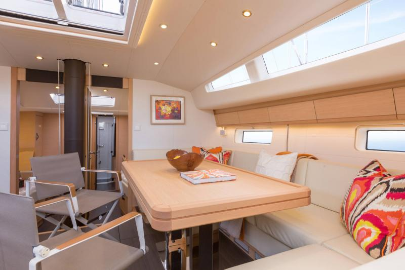 Jeanneau 64 Interior Views 48