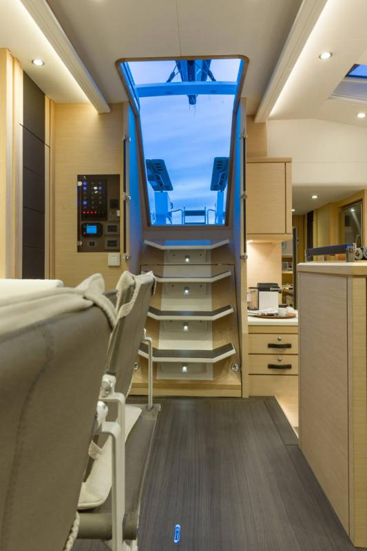 Jeanneau 64 Interior Views 39