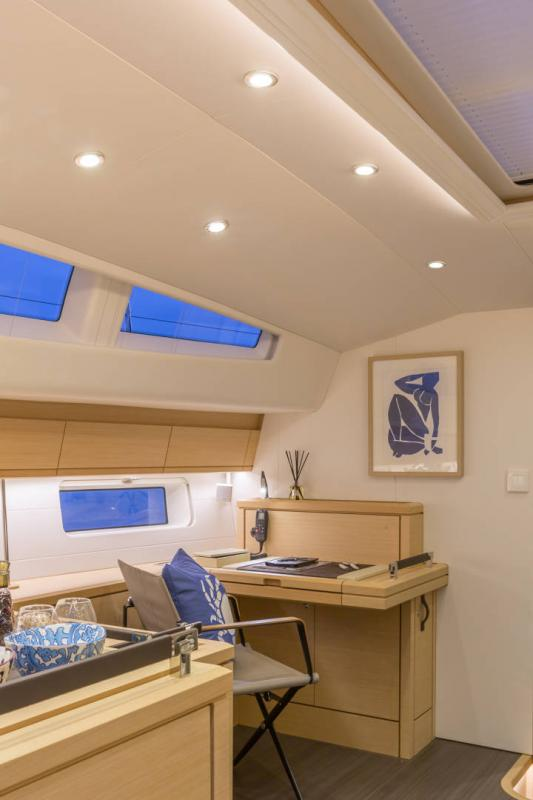 Jeanneau 64 Interior Views 33