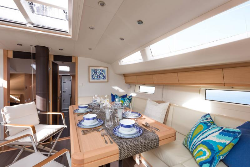 Jeanneau 64 Interior Views 27