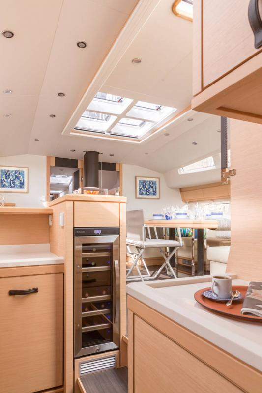 Jeanneau 64 Interior Views 24
