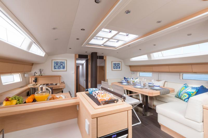 Jeanneau 64 Interior Views 23