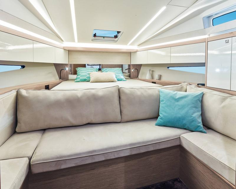 Leader 33 │ Leader of 11m │ Boat Inboard Jeanneau  18332