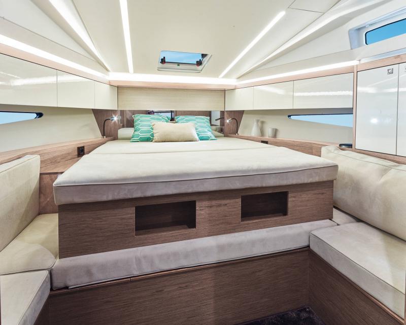 Leader 33 │ Leader of 11m │ Boat Inboard Jeanneau  18330