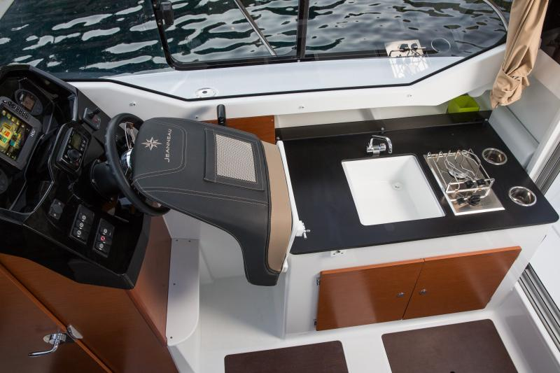 Merry Fisher 795 │ Merry Fisher of 7m │ Boat Outboard Jeanneau  1409