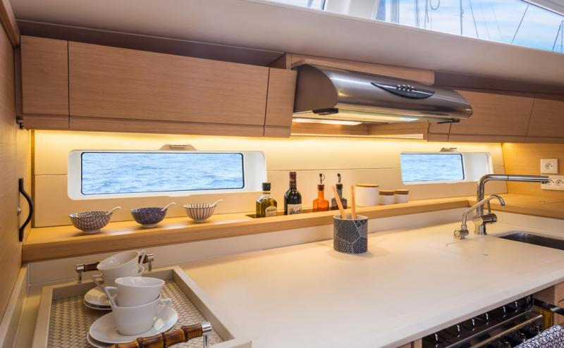 Jeanneau 54 Interior Views 36