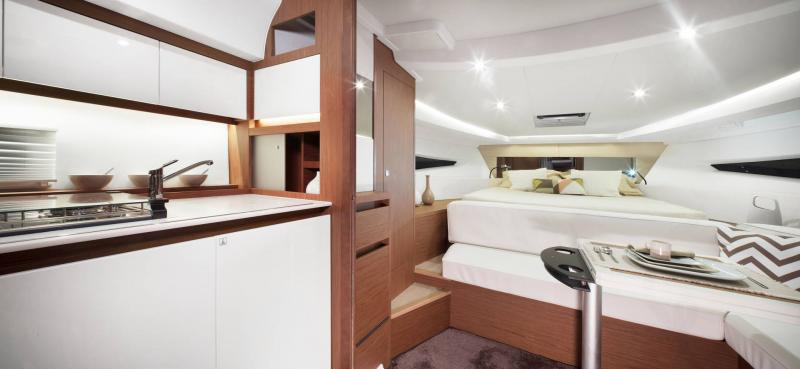Leader 36 │ Leader of 12m │ Boat powerboat Jeanneau Cuisine galley 18373