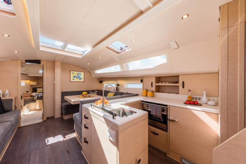 Jeanneau 51 Interior Views 20