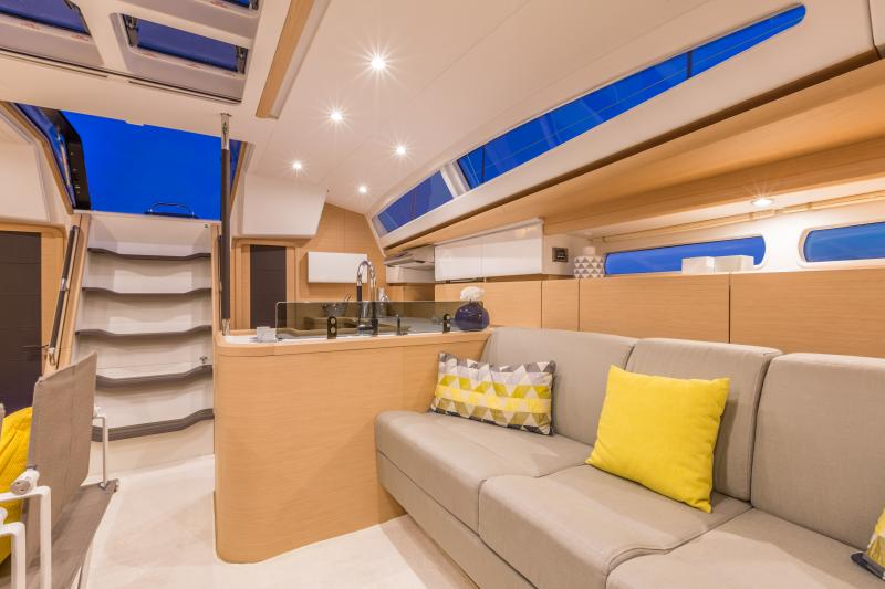 Jeanneau 58 Interior Views 5