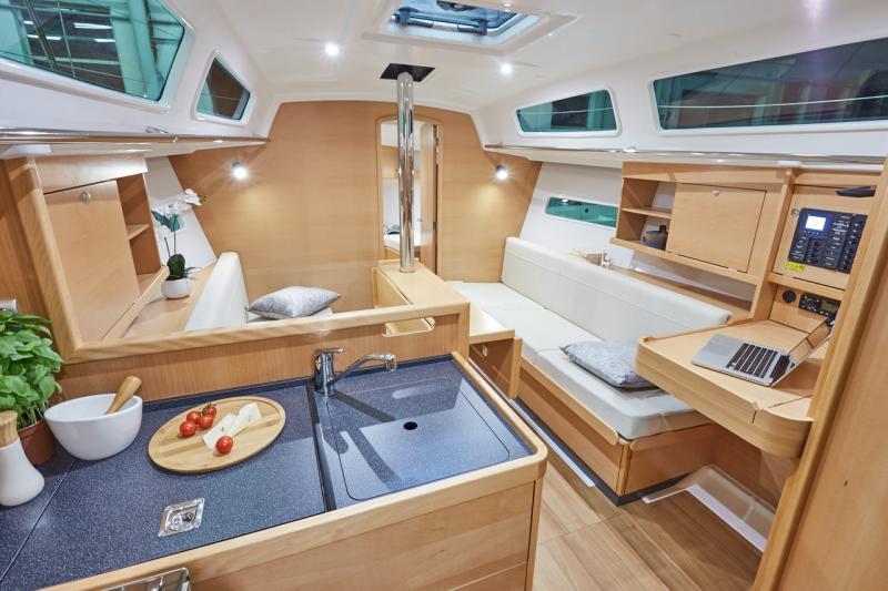 Sun Odyssey 319 Interior Views 8