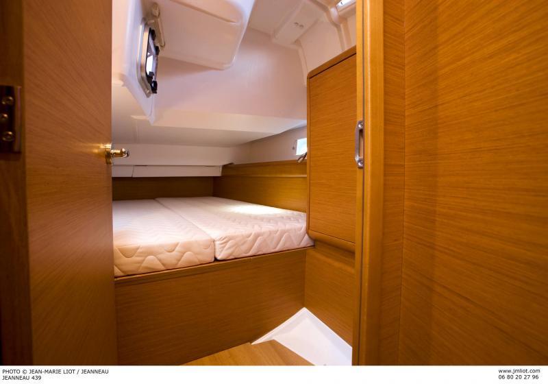 Sun Odyssey 449 Interior Views 40