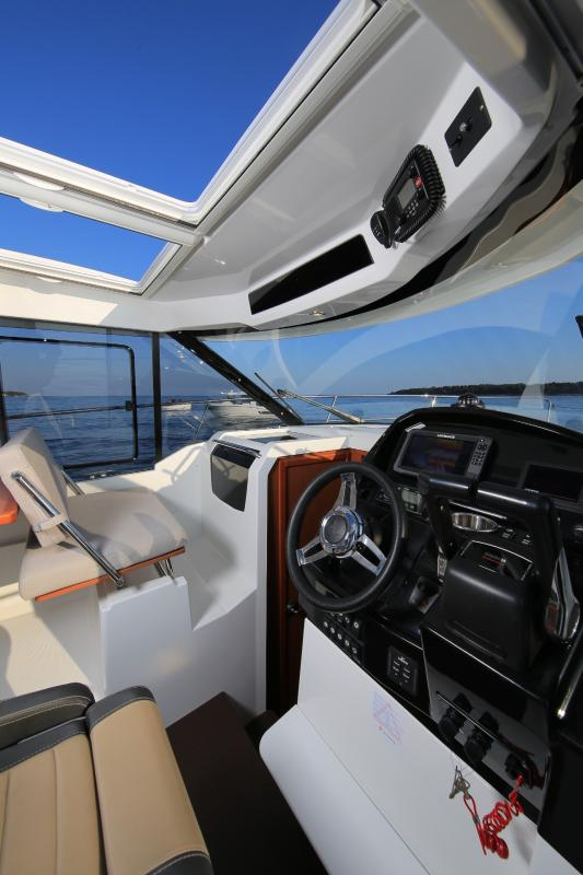 Merry Fisher 895 Interior Views 10