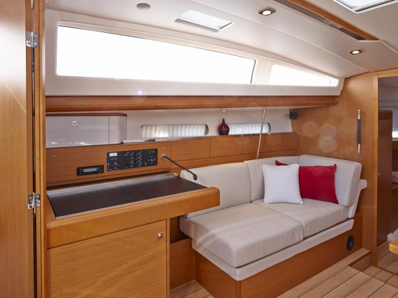Sun Odyssey 41 DS │ Sun Odyssey DS of 12m │ Boat Sailboat Jeanneau boat Sun-Odyssey-DS-41DS 845