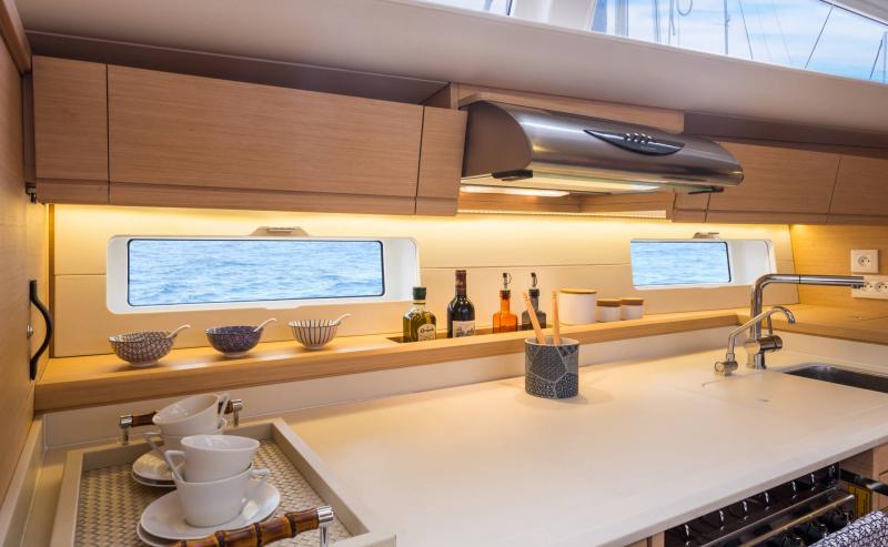 Jeanneau 54 │ Jeanneau Yachts of 16m │ Boat Segelboote Jeanneau  13571