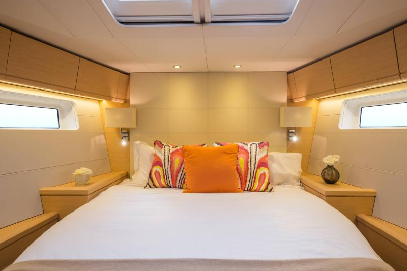 Jeanneau 54 Interior Views 9