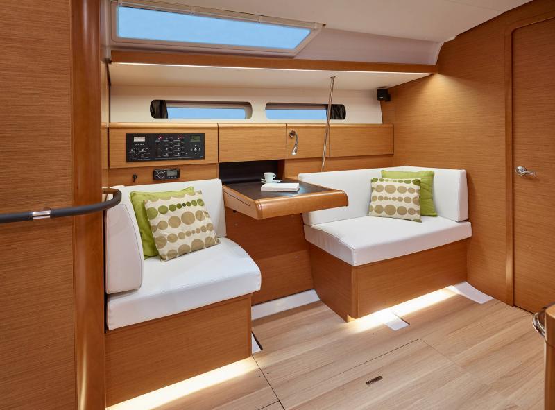 Sun Odyssey 449 Interior Views 16