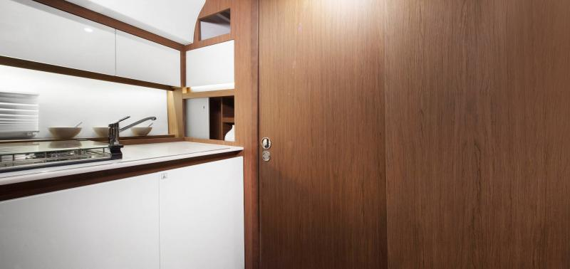Leader 36 │ Leader of 12m │ Boat Inboard Jeanneau Cuisine galley 14324