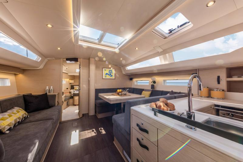 Jeanneau 51 Interior Views 18