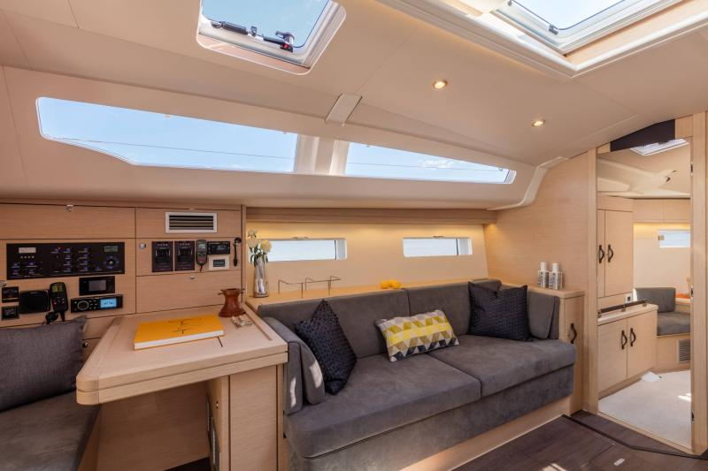 Jeanneau 51 Interior Views 17