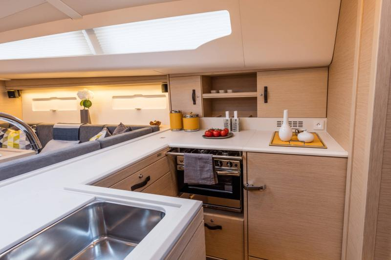 Jeanneau 51 Interior Views 2