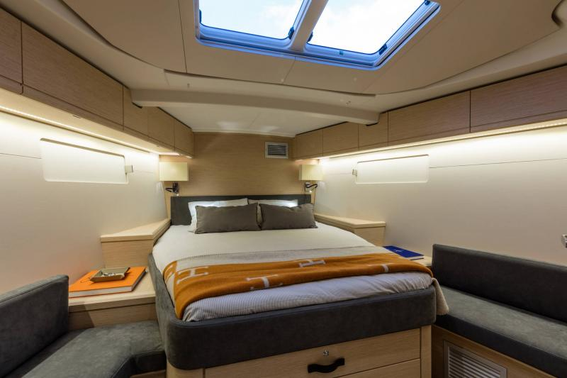 Jeanneau 51 Interior Views 25