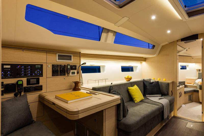 Jeanneau 51 Interior Views 10