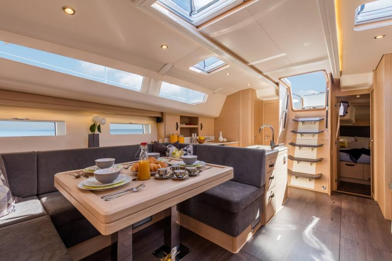 Jeanneau 51 Interior Views 7