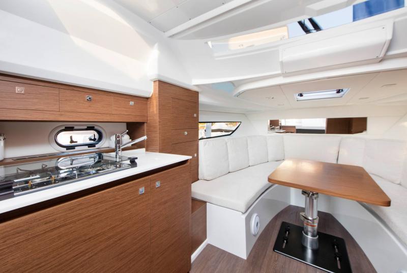 Leader 10.5 │ Leader of 11m │ Boat Fuera-borda Jeanneau  15034