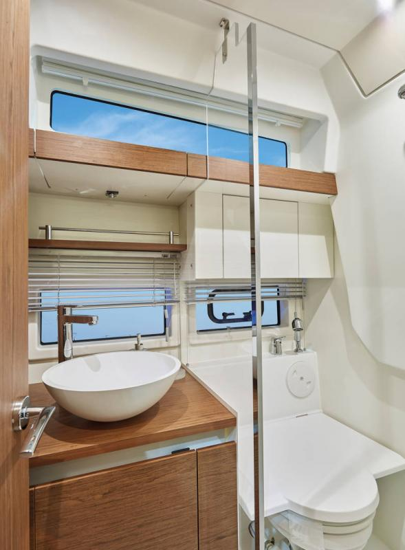 Leader 33 │ Leader of 11m │ Boat Intra-borda Jeanneau Cuisine galley 14285