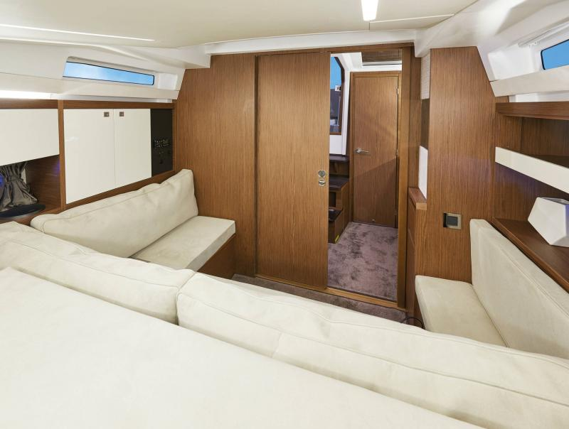 Leader 33 │ Leader of 11m │ Boat Intra-borda Jeanneau Cuisine galley 14286