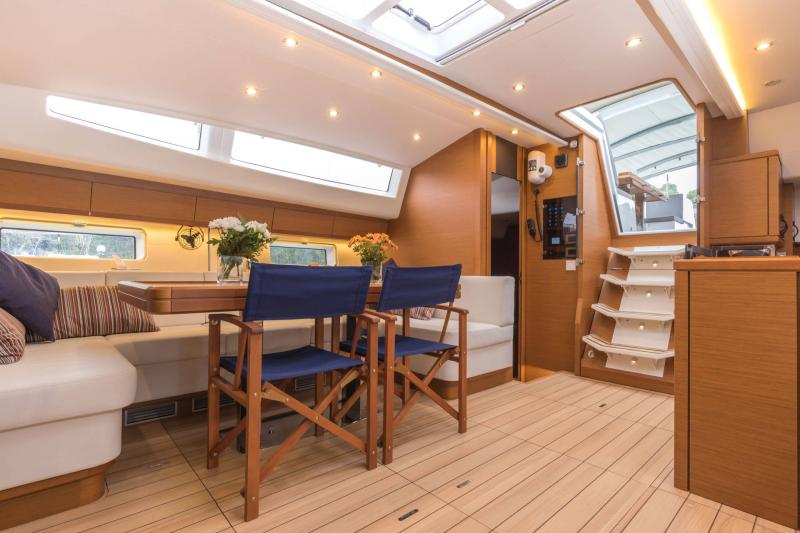 Jeanneau 64 Interior Views 8