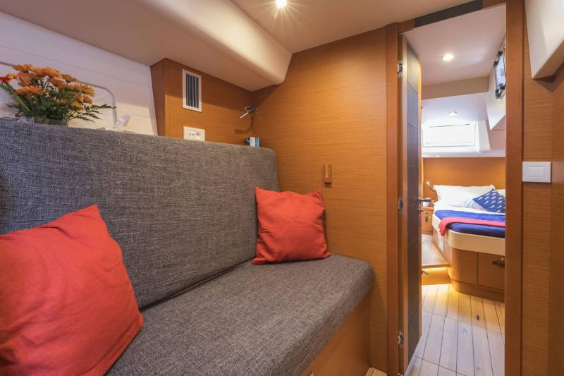 Jeanneau 64 Interior Views 4