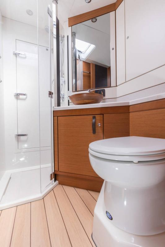 Jeanneau 64 Interior Views 3