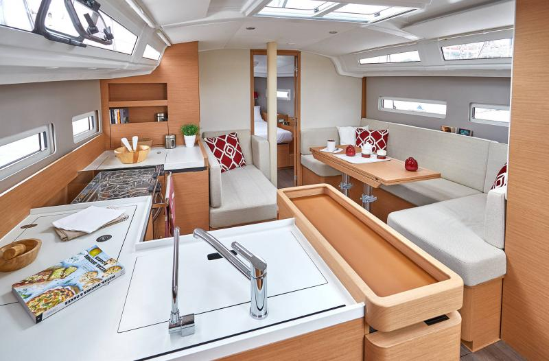 Sun Odyssey 410 │ Sun Odyssey Walk-Around of 12m │ Boat Sailboat Jeanneau Storage 12368