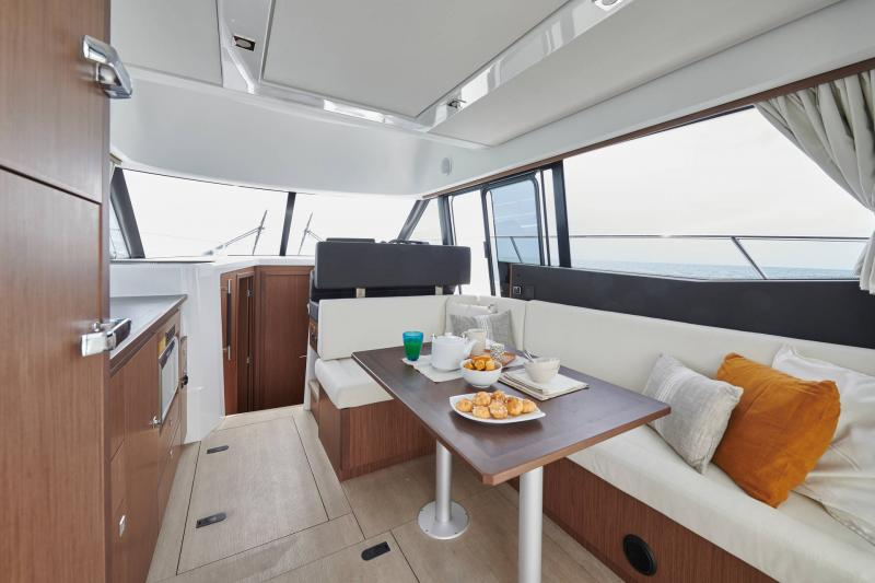 NC 38 Fly │ NC of 11m │ Boat Intra-borda Jeanneau  15066