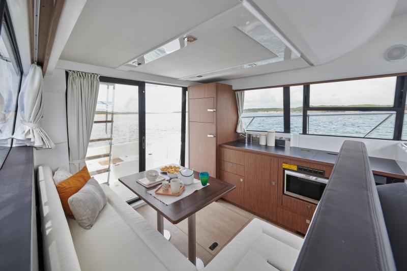 Velasco 37F │ Velasco of 11m │ Boat Intra-borda Jeanneau  15069