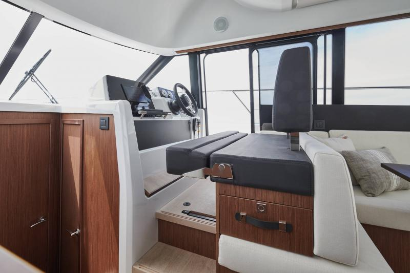 NC 38 Fly │ NC of 11m │ Boat Intra-borda Jeanneau  15067