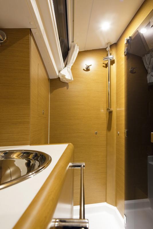 Sun Odyssey 419 Vistas del interior 10