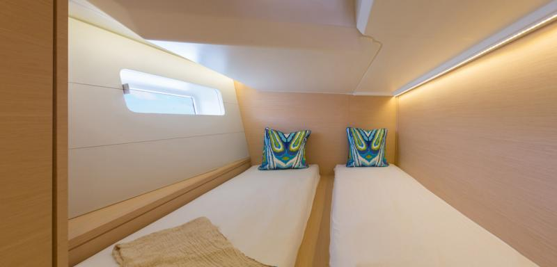 Jeanneau 54 Interior Views 14