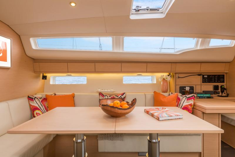 Jeanneau 54 Interior Views 23