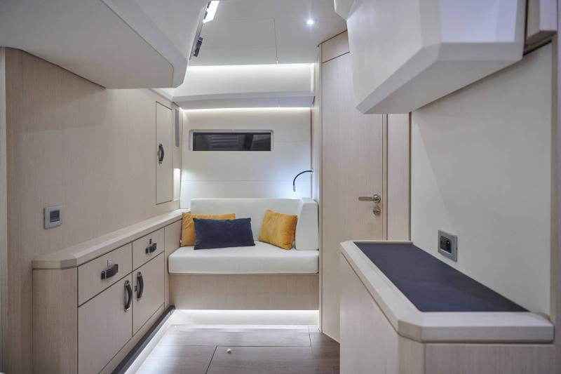 Jeanneau Yachts 60 │ Jeanneau Yachts of 18m │ Boat Veleros Jeanneau Owner Cabin 22501