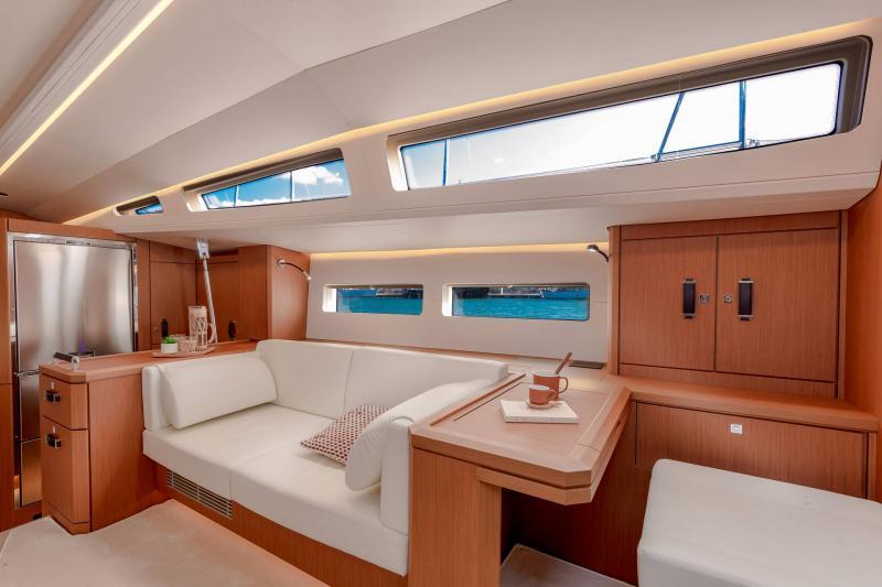 Jeanneau Yachts 60 │ Jeanneau Yachts of 18m │ Boat Sailboat Jeanneau  22855