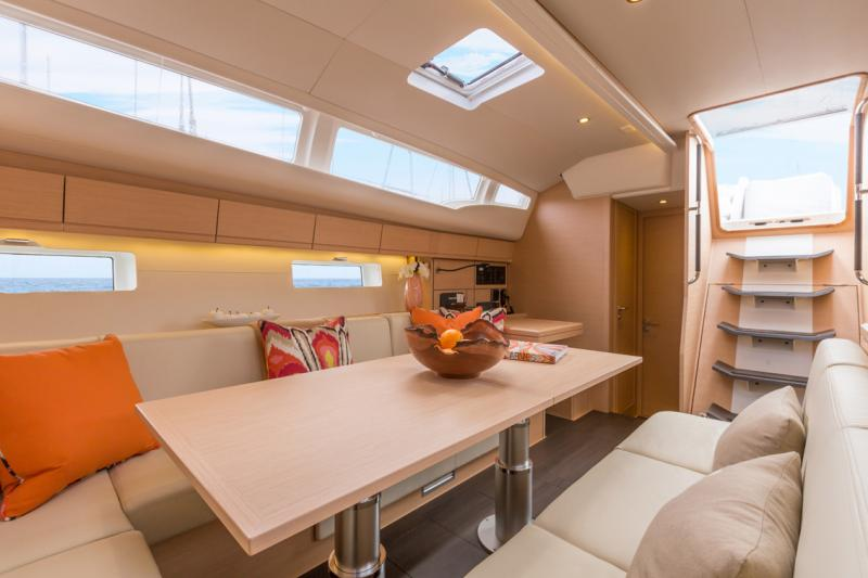 Jeanneau 54 Interior Views 15