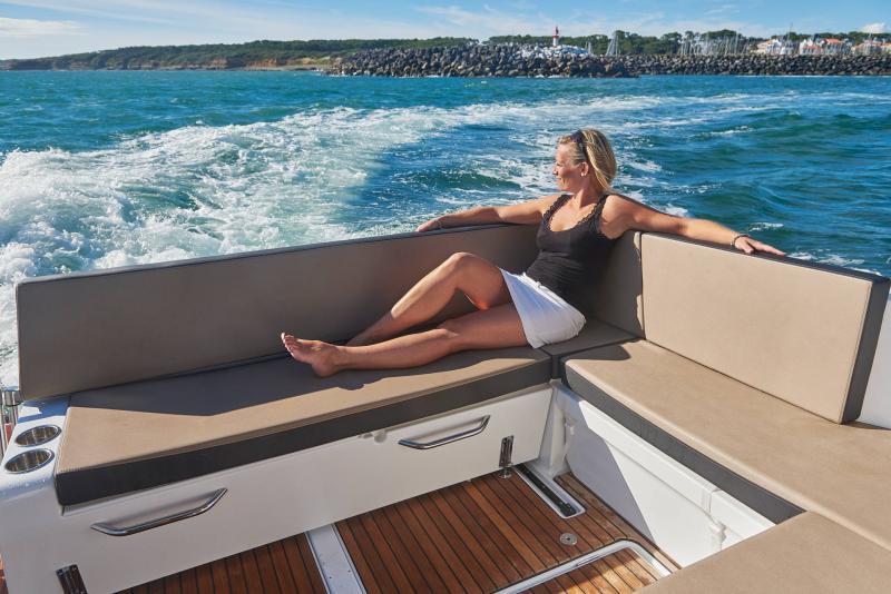 NC 895 │ NC Weekender of 9m │ Boat powerboat Jeanneau  18966
